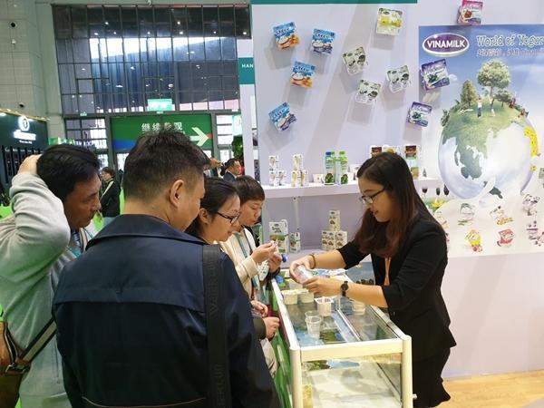 Sản phẩm Vinamilk ra mắt người tiêu dùng Trung Quốc-1
