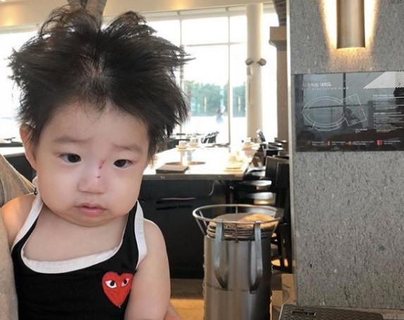 Cậu bé mặt trời Hàn Quốc mới một tuổi đã thành hiện tượng mạng-1