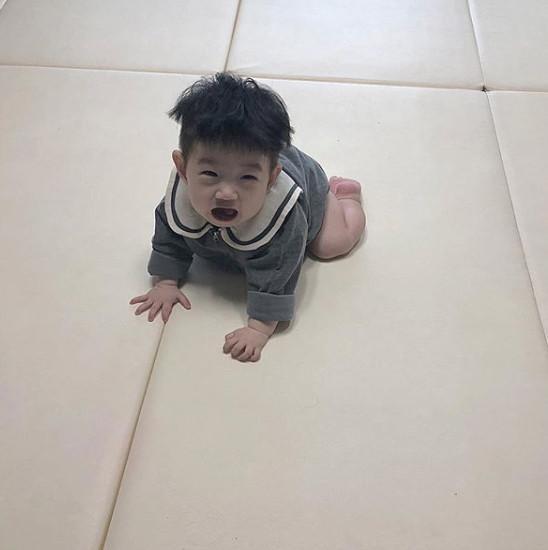 Cậu bé mặt trời Hàn Quốc mới một tuổi đã thành hiện tượng mạng-2