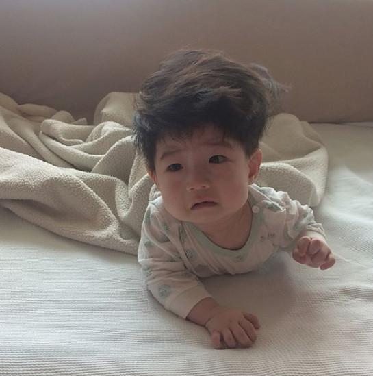 Cậu bé mặt trời Hàn Quốc mới một tuổi đã thành hiện tượng mạng-12