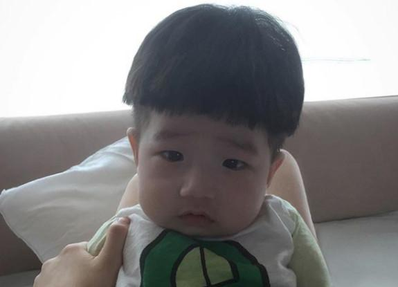 Cậu bé mặt trời Hàn Quốc mới một tuổi đã thành hiện tượng mạng-13