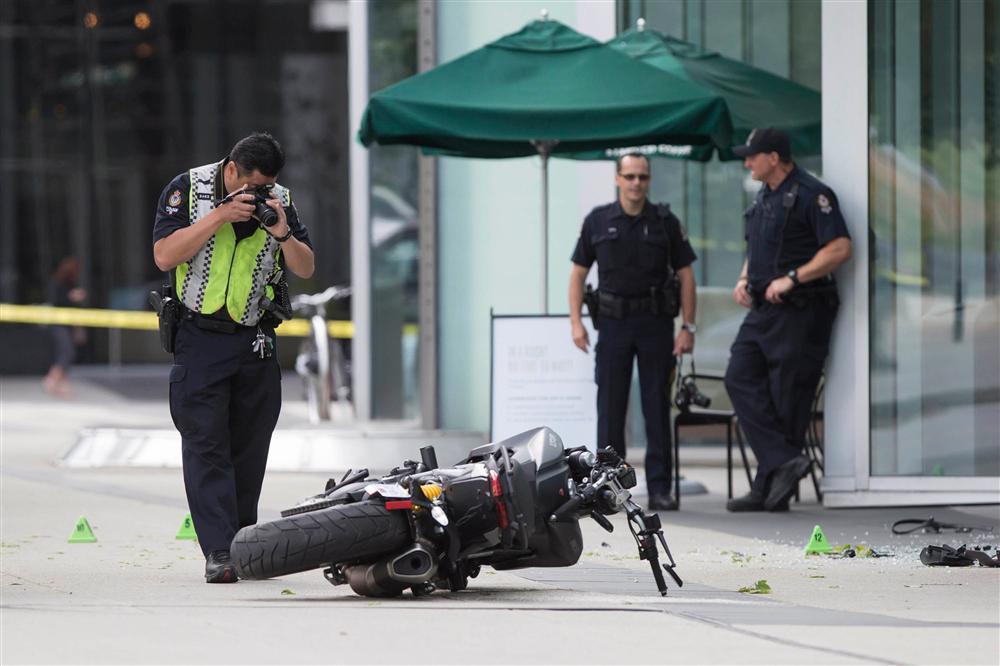 Diễn viên chết thảm trên phim trường: Người bị trực thăng cứa đứt cổ, kẻ tự sát bằng súng đạn thật-6