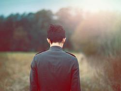 Có một kiểu người chỉ giỏi an ủi người khác, đến chuyện tình yêu của mình thì đành bất lực