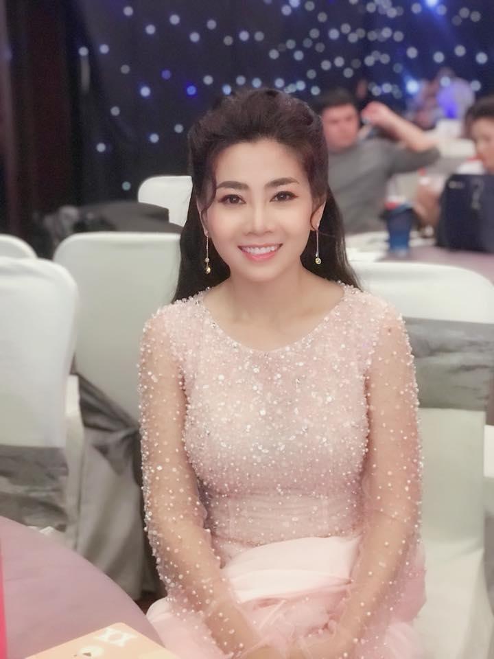 Vừa điều trị ung thư vừa chạy show đến rã rời, diễn viên Mai Phương vẫn khoe ảnh xinh như công chúa-6