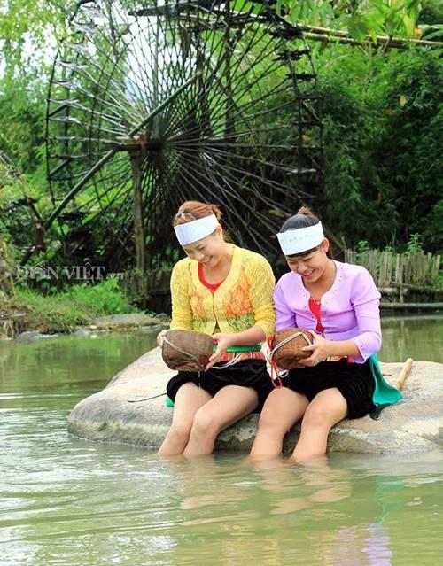 Bí ẩn dòng suối khiến con gái Thanh Hóa xuống tắm tiên là có làn da trắng nõn-2