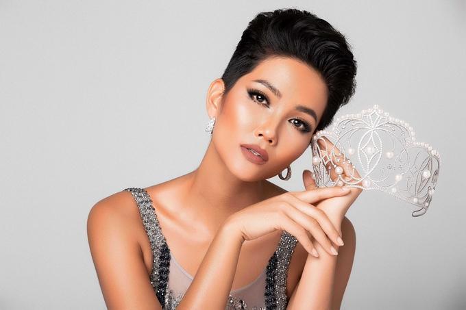 Đại diện Kenya xuất hiện khiến HHen Niê không còn là thí sinh tóc tém duy nhất tại Miss Universe 2018-2
