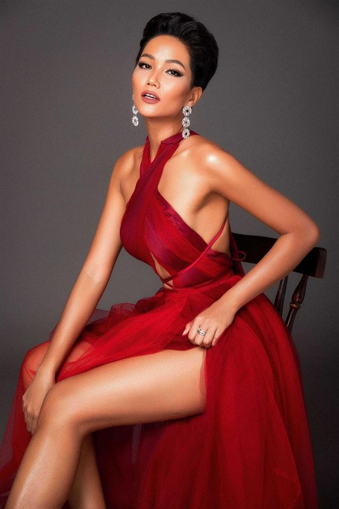 Đại diện Kenya xuất hiện khiến HHen Niê không còn là thí sinh tóc tém duy nhất tại Miss Universe 2018-1