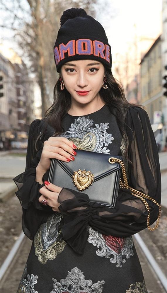 Xén váy ngắn hơn, Nayeon (Twice) vẫn không quyến rũ bằng Địch Lệ Nhiệt Ba và Ngô Cẩn Ngôn-4