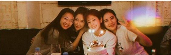 Mỹ nhân Hoàng tử gác mái tổ chức sinh nhật giản dị cùng hội chị em showbiz-1