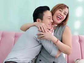 Bị miệt thị vì liên tục khoe cảnh ôm hôn chồng trẻ, cô dâu 61 tuổi cứng rắn: 'Bạn nhường chồng cho tôi được không?'