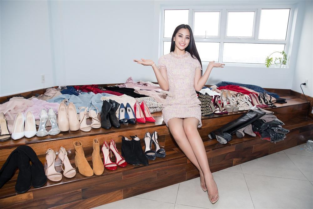 Choáng với số lượng giày và quần áo mà hoa hậu Tiểu Vy mang đi thi Miss World-2