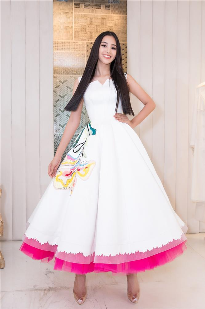 Choáng với số lượng giày và quần áo mà hoa hậu Tiểu Vy mang đi thi Miss World-4