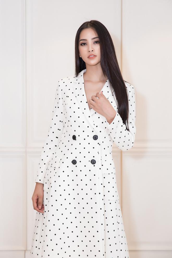 Choáng với số lượng giày và quần áo mà hoa hậu Tiểu Vy mang đi thi Miss World-6