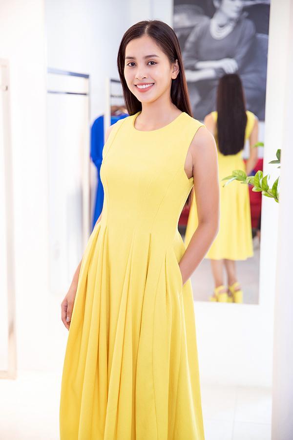 Choáng với số lượng giày và quần áo mà hoa hậu Tiểu Vy mang đi thi Miss World-9