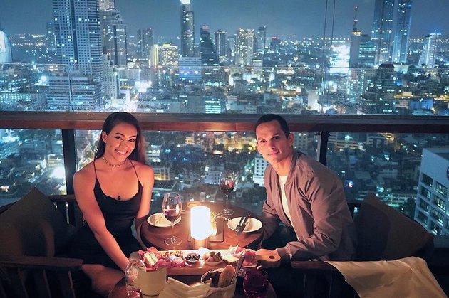 Mỹ nam ĐT Thái Lan và cuộc tình đẹp như cổ tích với cô vợ vừa xinh đẹp lại tài giỏi-1