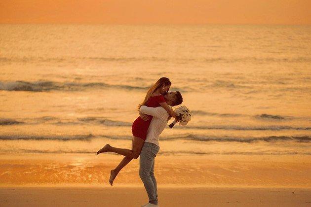 Mỹ nam ĐT Thái Lan và cuộc tình đẹp như cổ tích với cô vợ vừa xinh đẹp lại tài giỏi-7