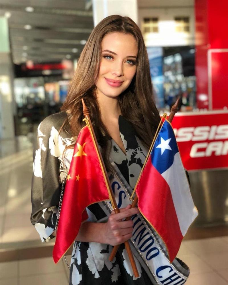 Sát giờ khởi hành sang Trung Quốc, Tiểu Vy bất ngờ lọt top 15 người đẹp sáng giá nhất Miss World 2018-3