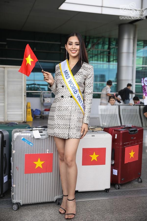 Trần Tiểu Vy xuất hiện xinh như hoa tại sân bay, chính thức lên đường chinh chiến Hoa hậu Thế Giới 2018-12