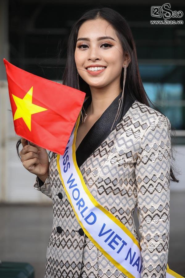 Trần Tiểu Vy xuất hiện xinh như hoa tại sân bay, chính thức lên đường chinh chiến Hoa hậu Thế Giới 2018-13