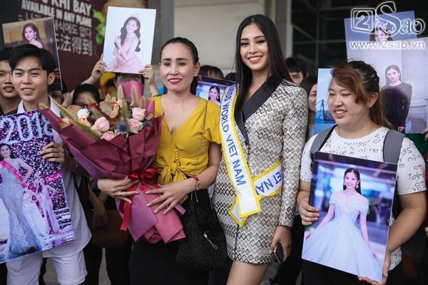Trần Tiểu Vy xuất hiện xinh như hoa tại sân bay, chính thức lên đường chinh chiến Hoa hậu Thế Giới 2018-5