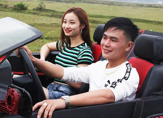 Hai thanh niên Hà Tĩnh gây sốt khi biến đống đồng nát thành siêu xe mui trần đẹp mê ly-2