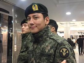 Tài tử phim 'Hoàng hậu Ki' Ji Chang Wook béo lên trông thấy sau khi nhập ngũ
