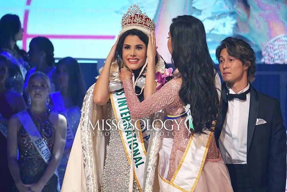 Nhan sắc ngắm là mê của người đẹp Venezuela vừa đăng quang Hoa hậu Quốc tế 2018-1
