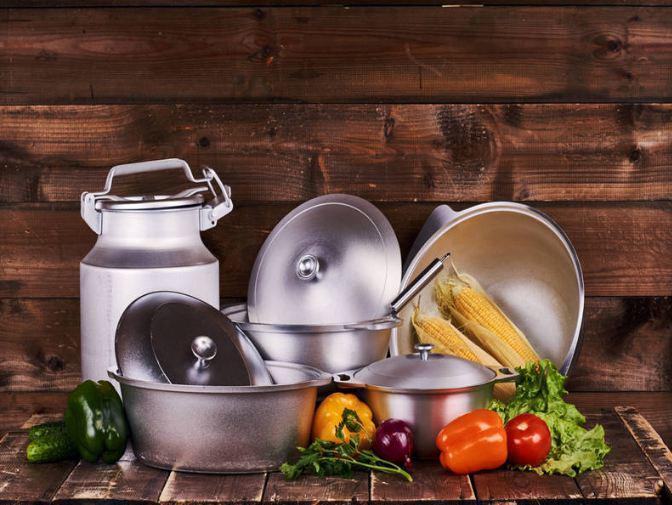 Suốt ngày nấu ăn bằng những dụng cụ nhà bếp này mà không biết nó vô cùng độc hại-2