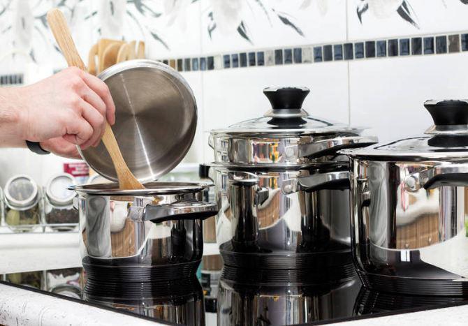 Suốt ngày nấu ăn bằng những dụng cụ nhà bếp này mà không biết nó vô cùng độc hại-3