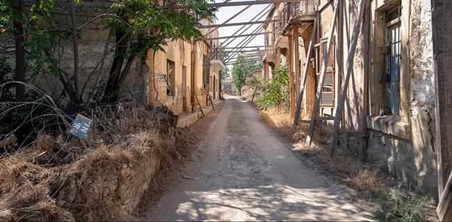 Những bức ảnh hiếm hoi về thị trấn ma tại Síp-8