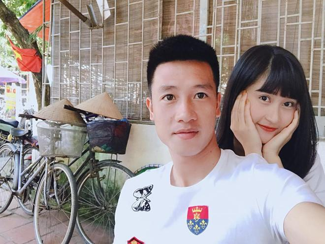 Bạn gái 9X xinh như hot girl, yêu 3 năm của cầu thủ Huy Hùng-2