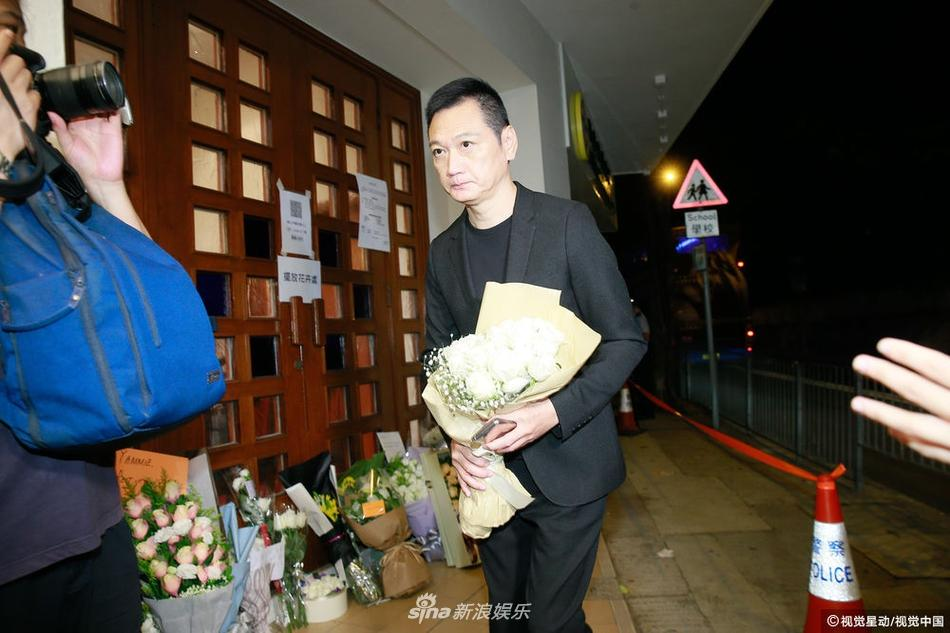 Dàn sao hạng A Hong Kong không kìm nổi sự đau xót khi đến viếng lễ tang ngọc nữ bạc mệnh Lam Khiết Anh-10