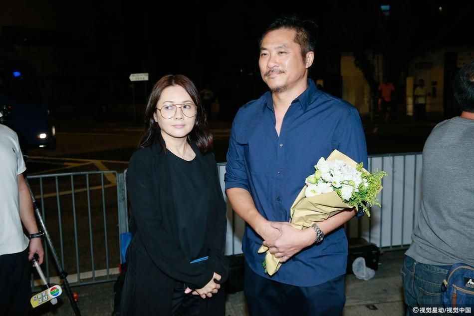 Dàn sao hạng A Hong Kong không kìm nổi sự đau xót khi đến viếng lễ tang ngọc nữ bạc mệnh Lam Khiết Anh-11