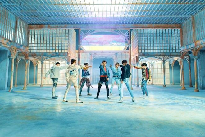 Những kỷ lục BTS thiết lập trên thị trường âm nhạc thế giới-3