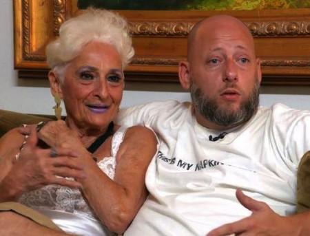 Bí mật giúp cụ bà 82 tuổi khiến bạn trai 39 tuổi đam mê nồng nàn-1