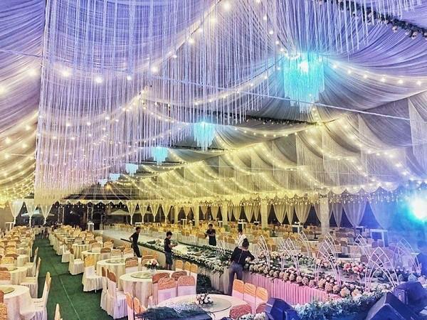 Hé lộ thêm hình ảnh xa hoa về đám cưới rộng 1.000 m2, chi phí trang trí 1 tỷ đồng của cặp trai xinh gái đẹp ở Vĩnh Phúc-1