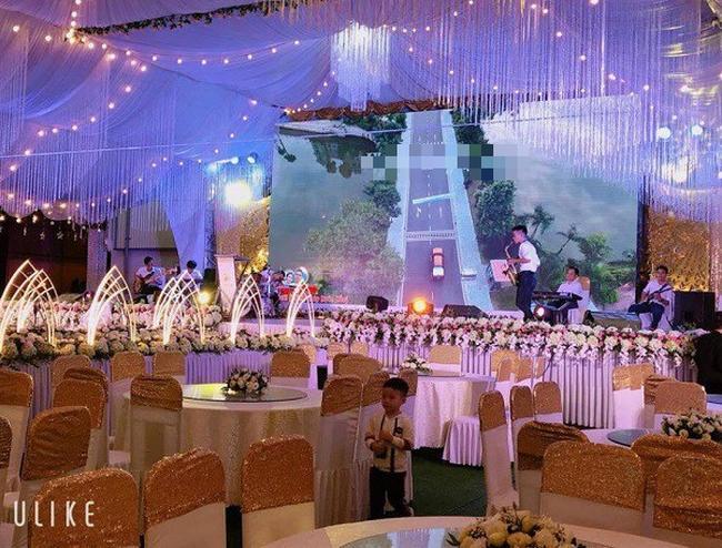 Hé lộ thêm hình ảnh xa hoa về đám cưới rộng 1.000 m2, chi phí trang trí 1 tỷ đồng của cặp trai xinh gái đẹp ở Vĩnh Phúc-2