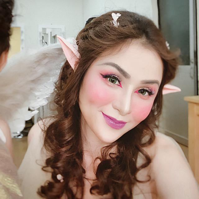 Hoa hậu Diễm Hương gây xôn xao với gương mặt bị nghiệp đoàn mạng nhận xét chẳng khác nào búp bê hư-5