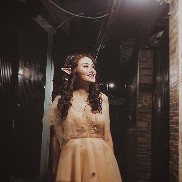 Hoa hậu Diễm Hương gây xôn xao với gương mặt bị nghiệp đoàn mạng nhận xét chẳng khác nào búp bê hư-6