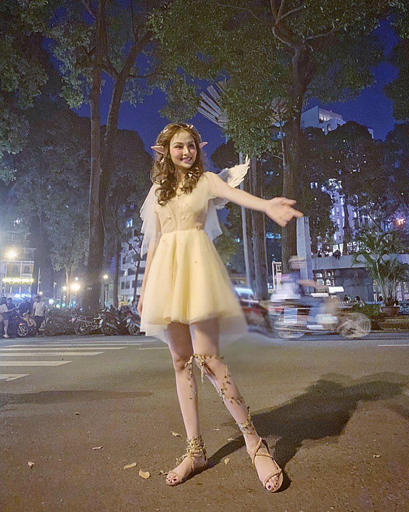 Hoa hậu Diễm Hương gây xôn xao với gương mặt bị nghiệp đoàn mạng nhận xét chẳng khác nào búp bê hư-7