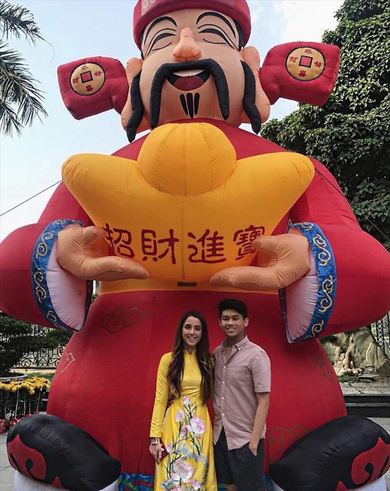 Chỉ một status yêu đương, em chồng sáng giá nhà Hà Tăng chính thức xác nhận có bạn gái là người ngoại quốc-2