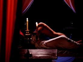 Diễn viên bỏ tiền sang Thái nâng ngực để tự tin đóng cảnh nóng