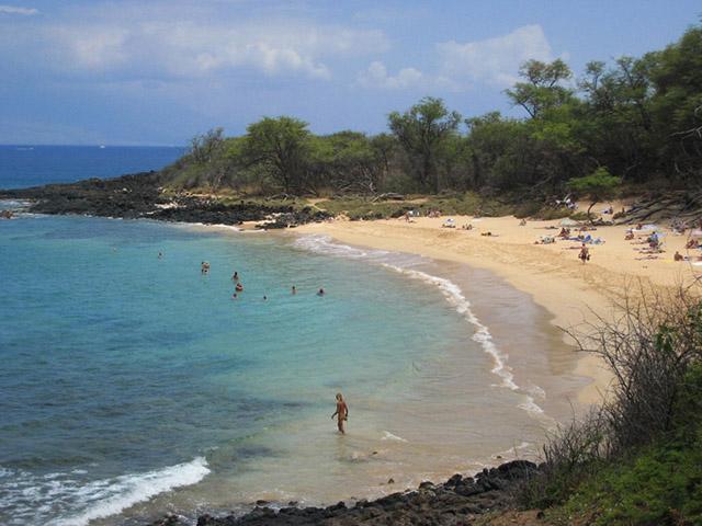 Phải khỏa thân hoàn toàn mới có thể đặt chân tới những bãi biển kỳ lạ này-1