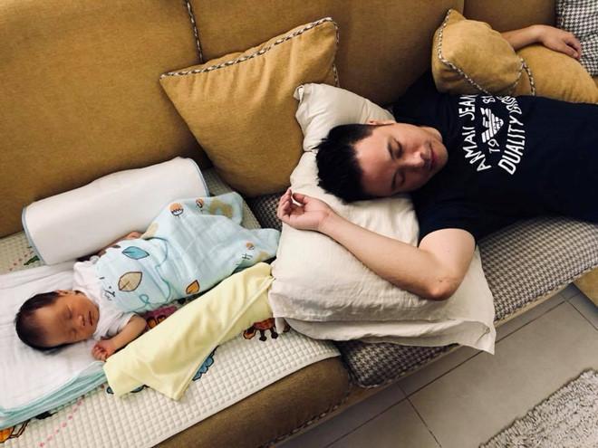 Đinh Ngọc Diệp, Victor Vũ khoe ảnh con trai đầu lòng mới sinh-1