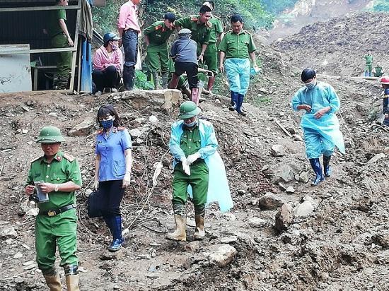 Hòa Bình: Tìm thấy một thi thể trong vụ sập hầm vàng-2