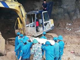 Hòa Bình: Tìm thấy một thi thể trong vụ sập hầm vàng