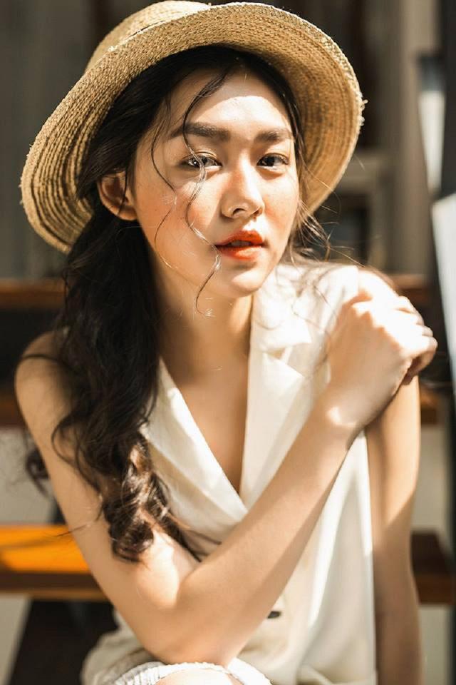 Bất ngờ trước nhan sắc và danh tiếng không thể đùa với cô dâu hờ của hotboy Minh Châu-13