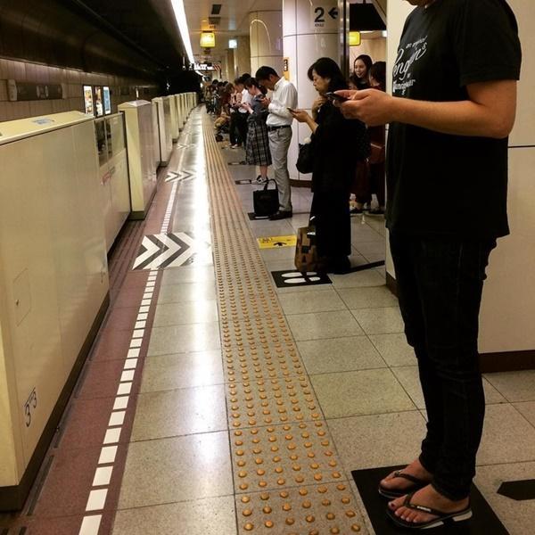 Lần đầu tiên tới Nhật Bản, du khách nào cũng mắt chữ O mồm chữ A vì những điều kỳ lạ-1