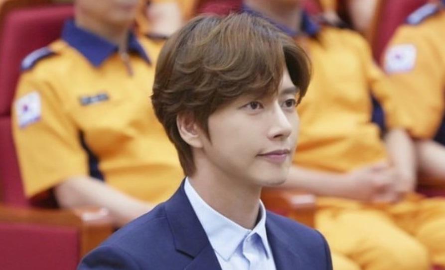 Ahn Jae Hyun đăng ảnh mới, cư dân mạng cứ ngỡ là bà xã Goo Hye Sun-3
