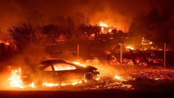 Cháy rừng dữ dội ở Mỹ, 25 người thiệt mạng-1